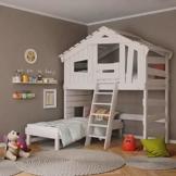 Kinderbett, Hochbett, Doppelbett, Etagenbett, Spielhaus, Spielbett in matt mild-Weiss, Massive Kiefer, Ober- und Unterbett (mit Türchen) - 1