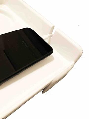 AntCrush Nachttischablage zum Anklipsen, mit integriertem Getränkehalter und Telefon-Kabelschlitz mit erhöhten Seiten, ideal für Studenten - 4